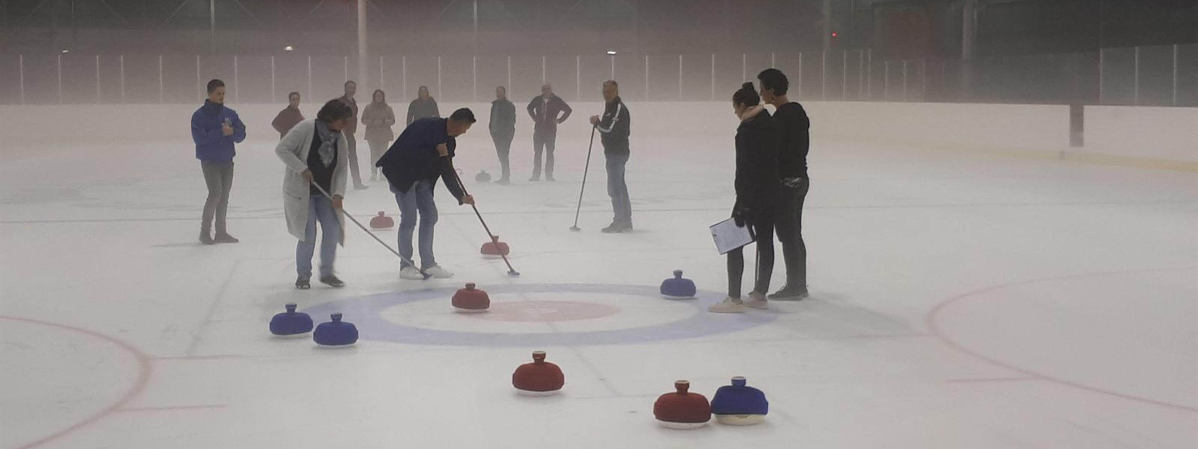 teamuitje-den-bosch-winteruitje-fun-curling